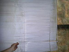 Sonic Blind Cleaning in Brisbane use ultrasonic cleaning for Venetian blinds.